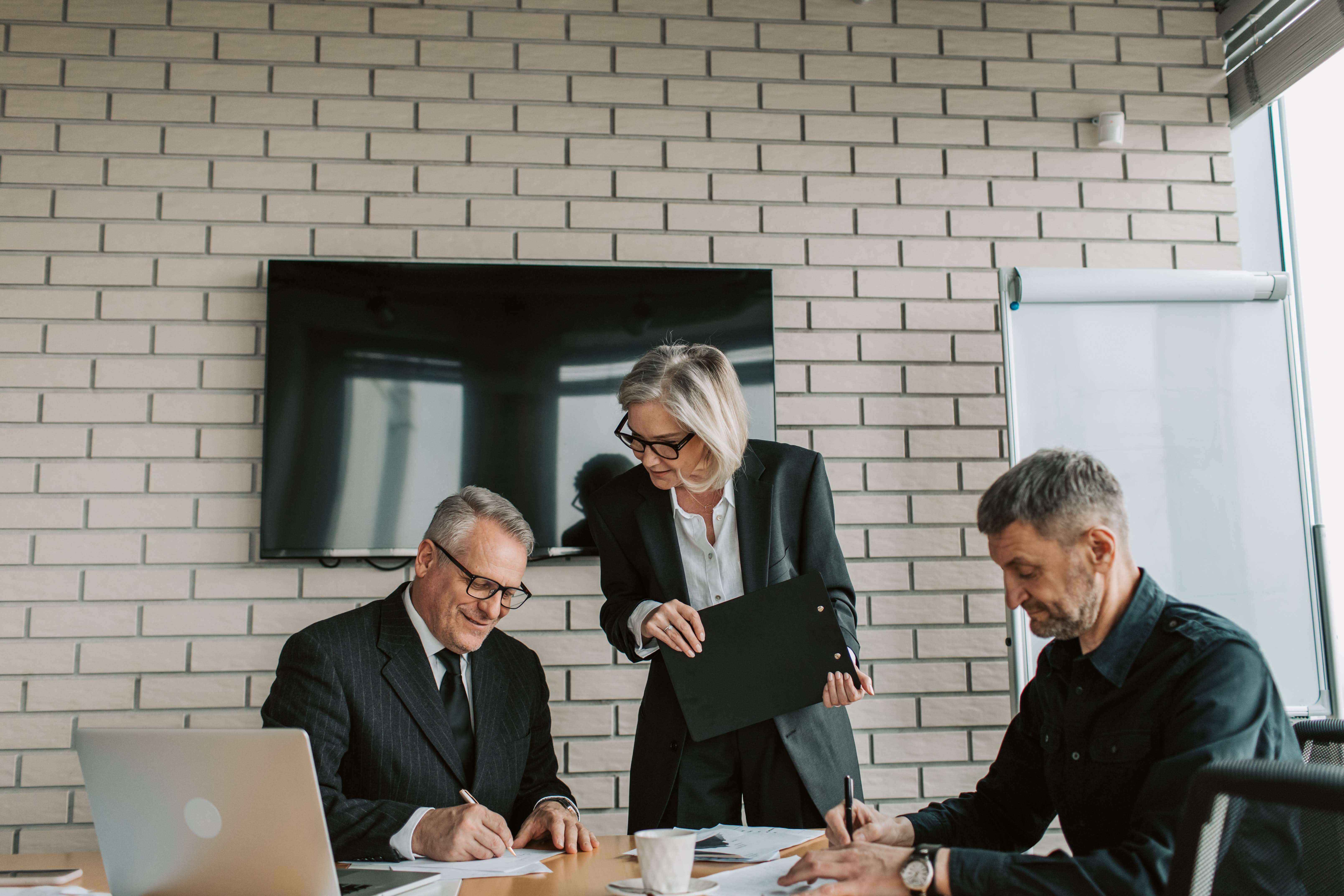 Finding the right business partner for your new law firm